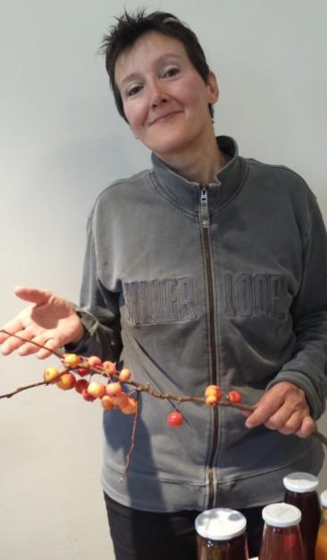 Trappole al vino e lanci di parassiti: ecco come nasce la frutta biologica