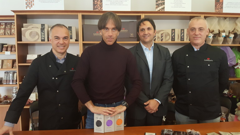 Davide Oldani firma la sua linea di cioccolato
