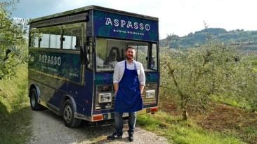 Simone smette di fare l'architetto per allestire un food truck di passatelli